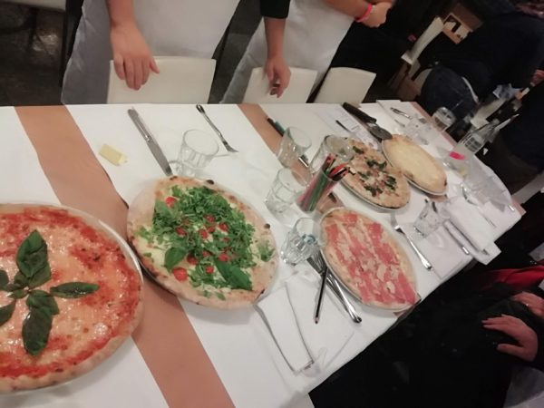 Team building make your pizza storyboard per linkedin karne